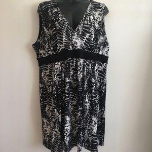 Avenue 30/32 black and white tank dress